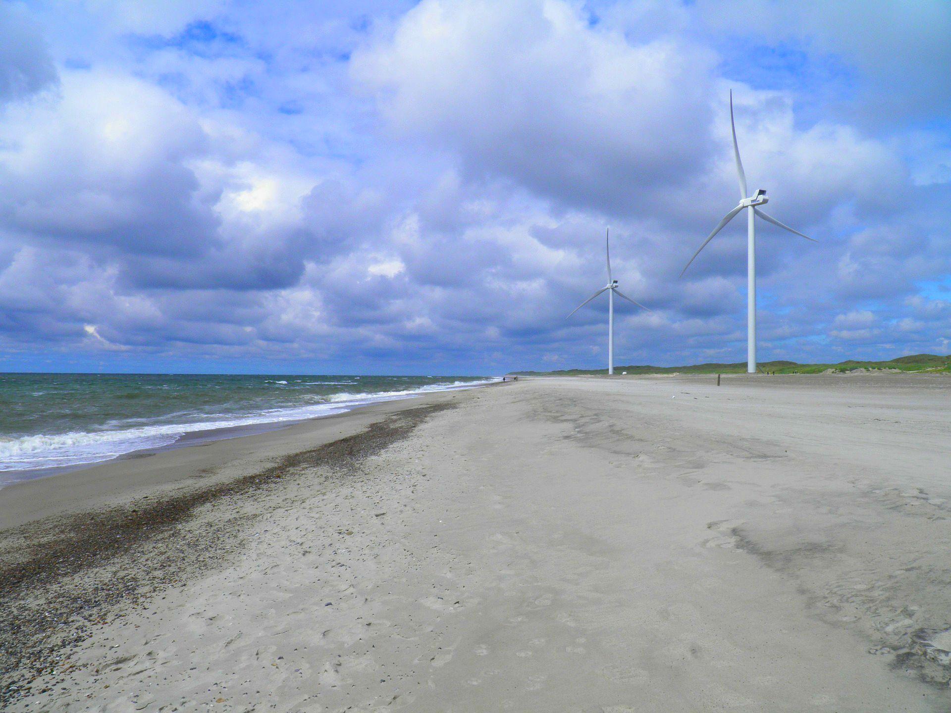 W 2018 r., całkowita moc zainstalowana morskich wiatraków w Europie sięgnęła 18,5 GW (fot.pixabay)