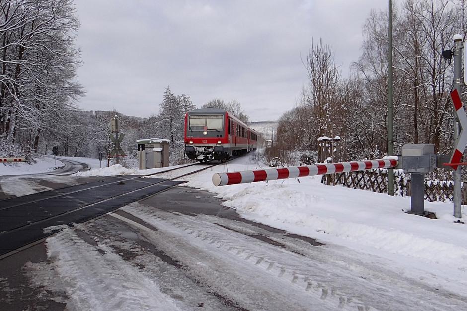 Małopolskie: Dodatkowe patrole na przejazdach kolejowych podczas ferii