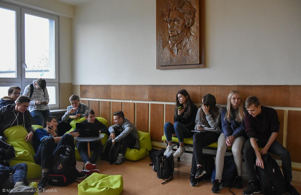Białostockie szkoły spodziewają się w tym roku 8,7 tys. kandydatów do szkół średnich (fot. Marcin Jakowiak/UM Białystok)
