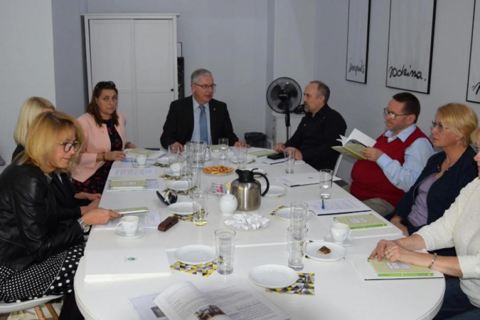 Poznań: Przedstawiciele organizacji pozarządowych zasilą skład Rady Rodziny Dużej