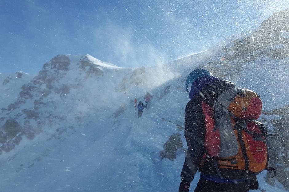 IMGW ostrzega przed silnym wiatrem w górach