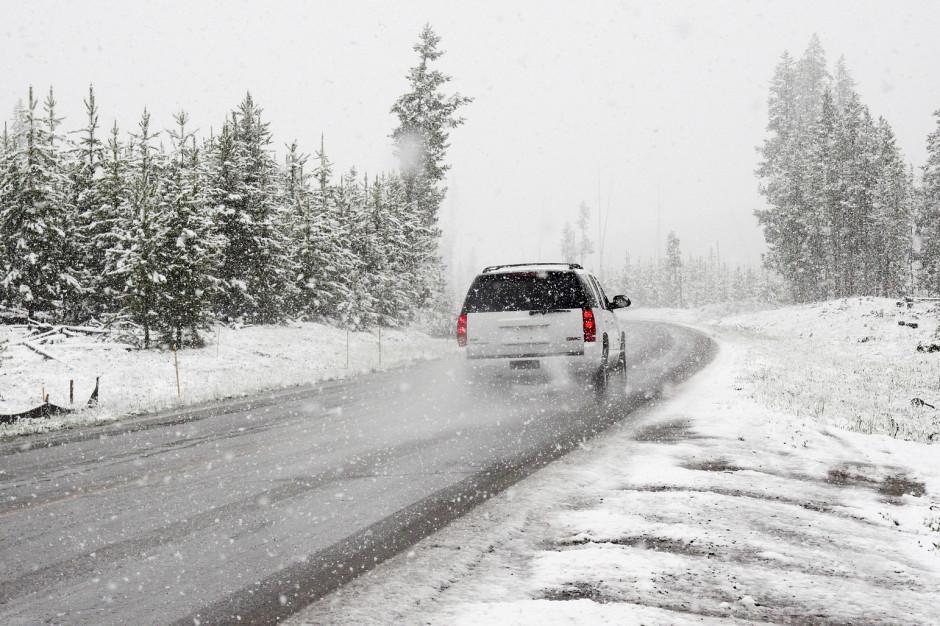GDDKiA: Deszcz i śnieg może powodować utrudnienia na drogach