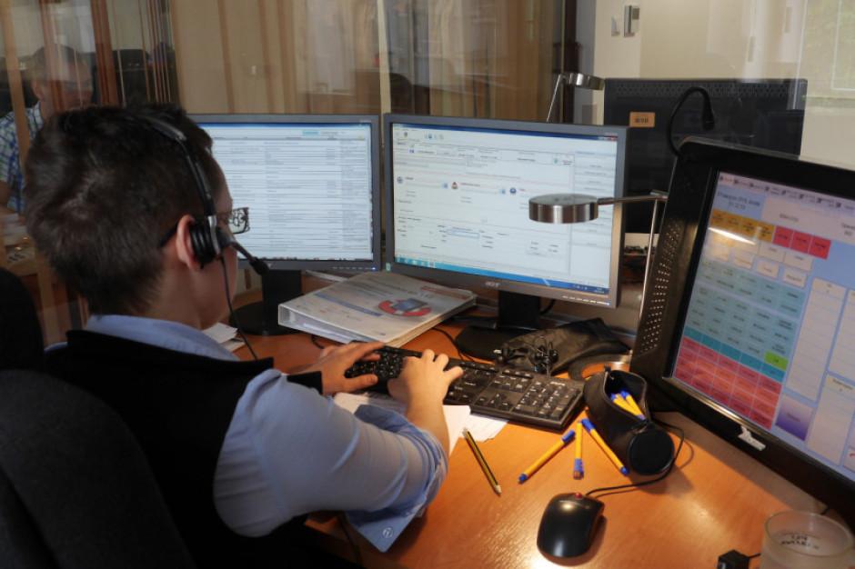 Praca w Centrum Powiadamiania Ratunkowego na pełnych obrotach
