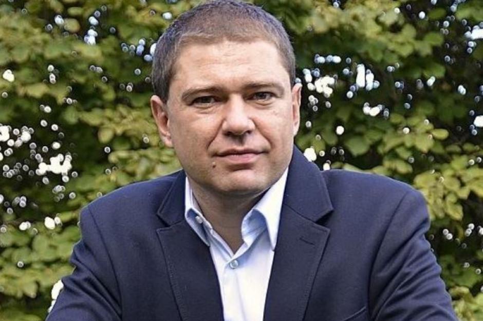 Partia Razem domaga się przywrócenia Piotra Szumlewicza na stanowisko