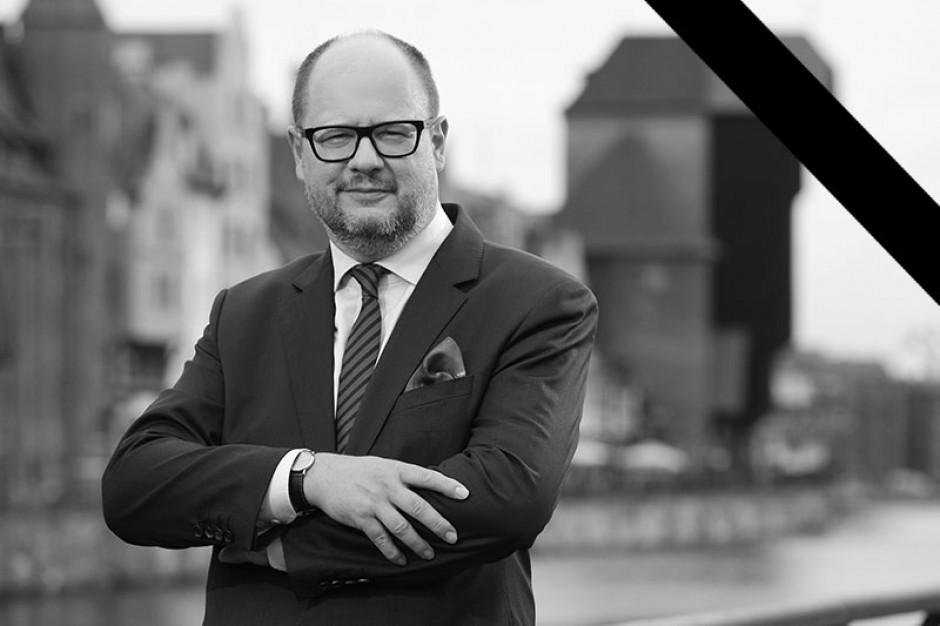 Urząd Miasta przekazał pamiątki związane z Pawłem Adamowiczem do Muzeum Gdańska
