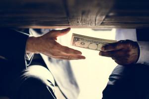 Osoby skazane za korupcję z zakazem pracy w samorządzie?