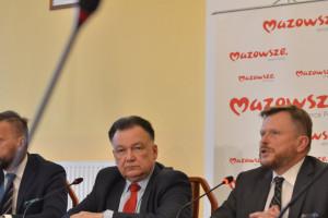 Marszałek Struzik wystąpił w sprawie lotniska w Modlinie. Samorząd odkupi udziały PPL?