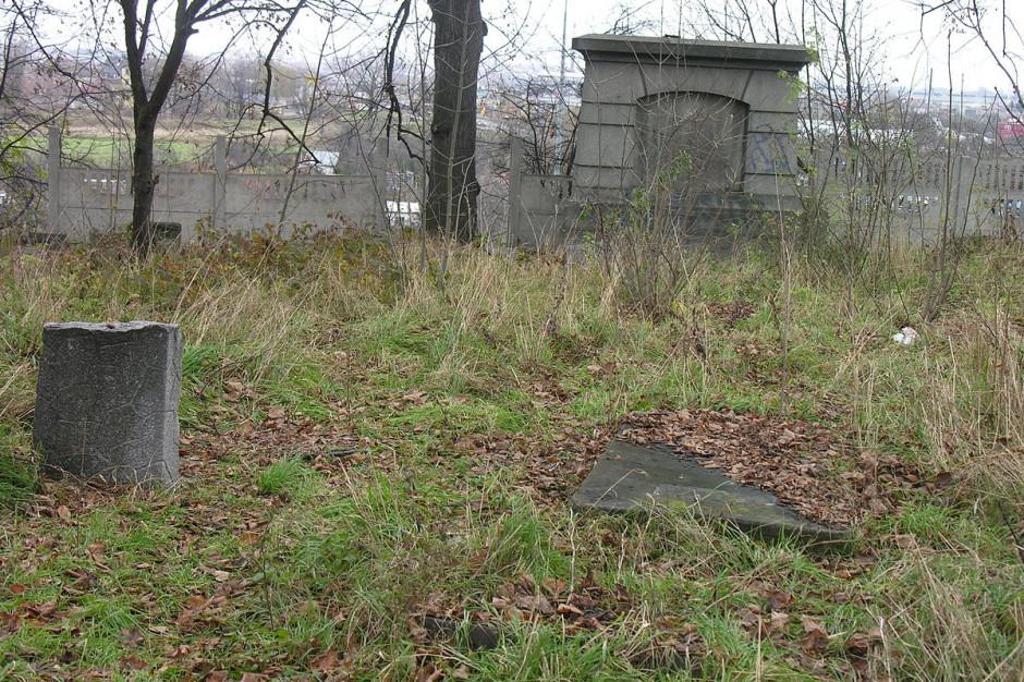 Magierowski: Dewastacja cmentarza żydowskiego to kłamstwo