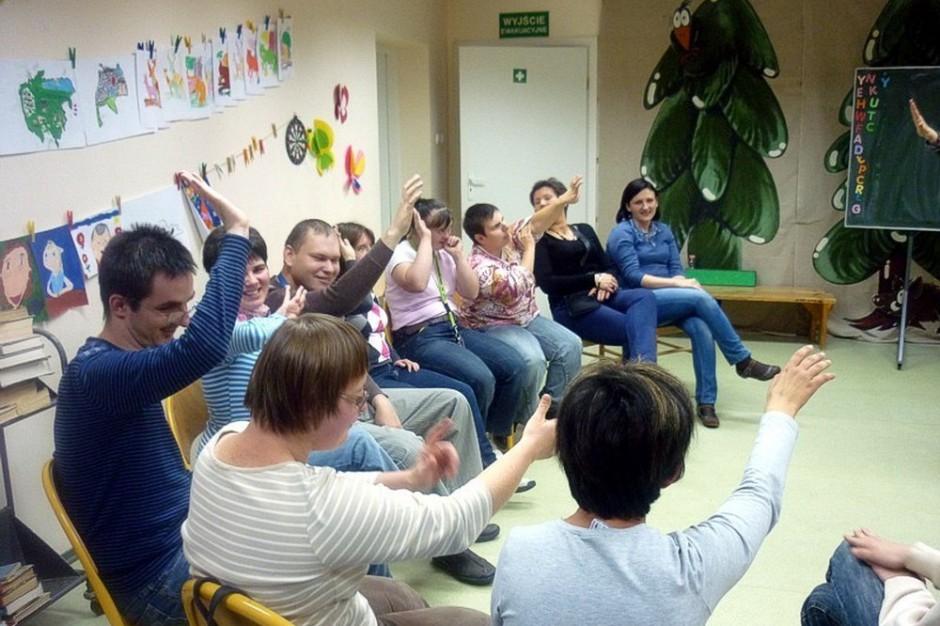 Wsparciem objęte są także osoby z zaburzeniami psychicznymi (fot.ilustracyjne: biblioteka.koszalin.pl)