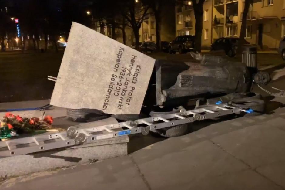 Nie doszło do ponownego postawienia pomnika ks. Jankowskiego w Gdańsku