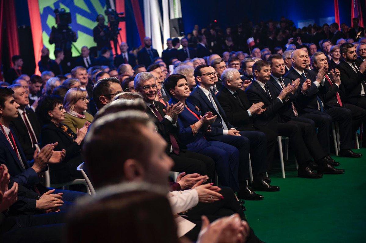PiS przedstawił nowe propozycje podczas sobotniej konwencji (fot. Twitter/PiS)