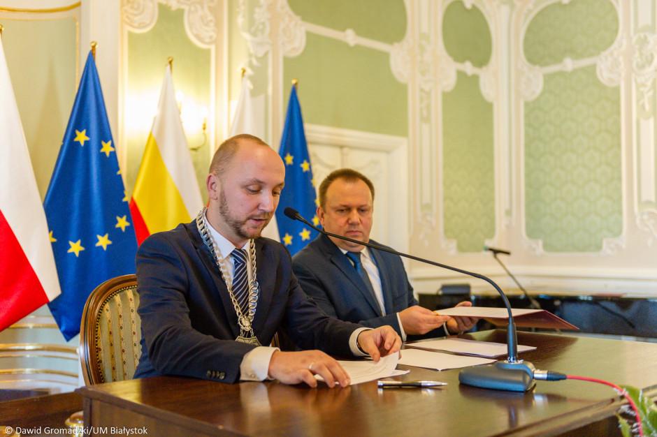 Białystok: Honorowe obywatelstwo dla Pawła Adamowicza. Część radnych jest przeciw