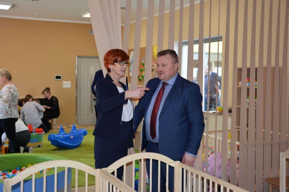 Elżbieta Rafalska, która podkreśliła wagę programu Maluch + , dzięki któremu na terenie całej Polski powstają miejsca opieki dla dzieci poniżej 3 roku życia (fot. rzepin.pl)