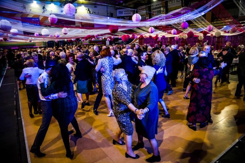 Organizowany po raz drugi bal karnawałowy dla seniorów jest elementem prowadzonej przez miasto polityki senioralnej (fot. radom.pl)
