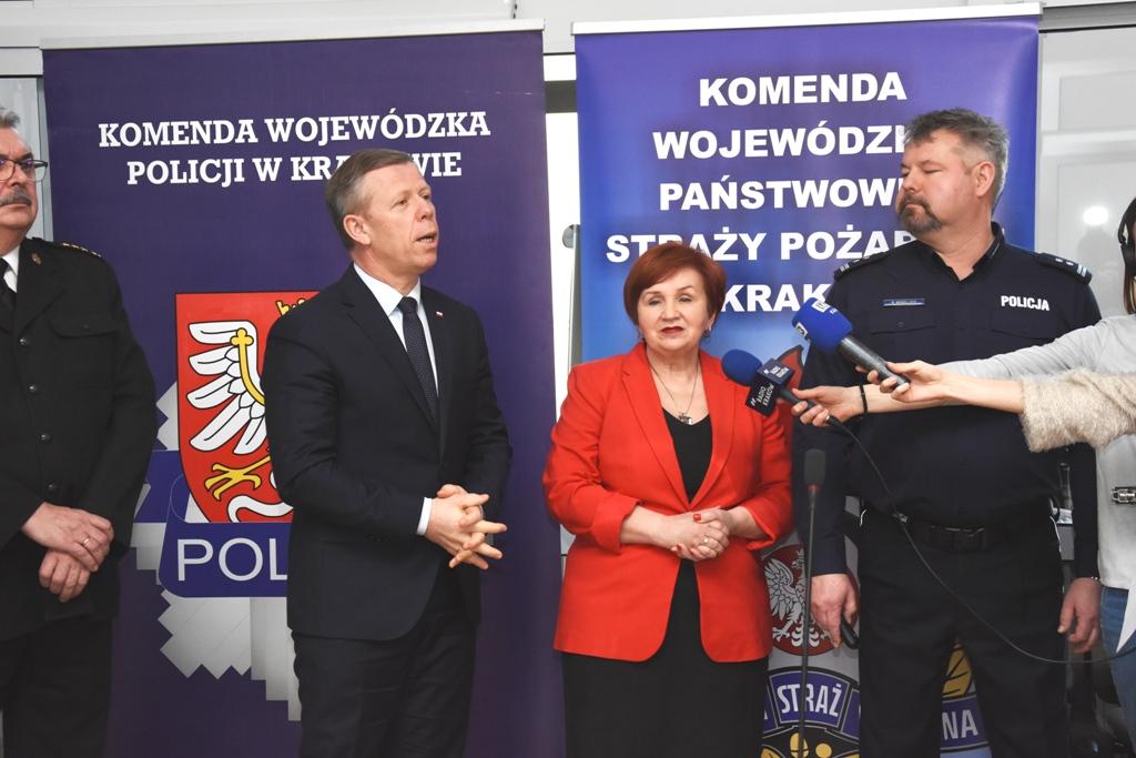 Wicekurator oświaty Halina Cimer poinformowała, że w Małopolsce, m.in. w powiatach nowosądeckim, nowotarskim, tatrzańskim i w Krakowie, ferie spędziło ponad 79 tys. uczniów, z czego ponad 54 tys. z innych województw (fot. malopolska.uw.gov.pl)
