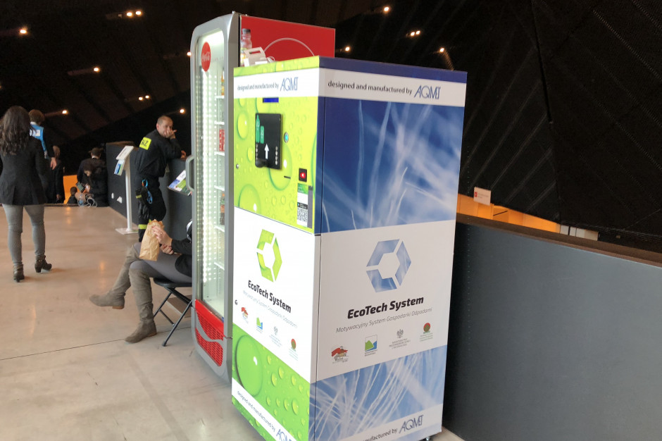 Recyklomaty na co dzień takie urządzenia działają w Wieluniu. Na razie dwa, docelowo aż 30 (fot. Tomasz Klyta/PTWP)