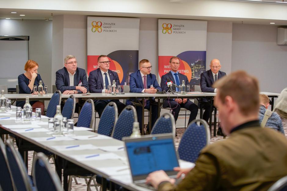 """Mandat samorządowca łączony z mandatem senatora? """"To poprawiłoby polską politykę"""""""