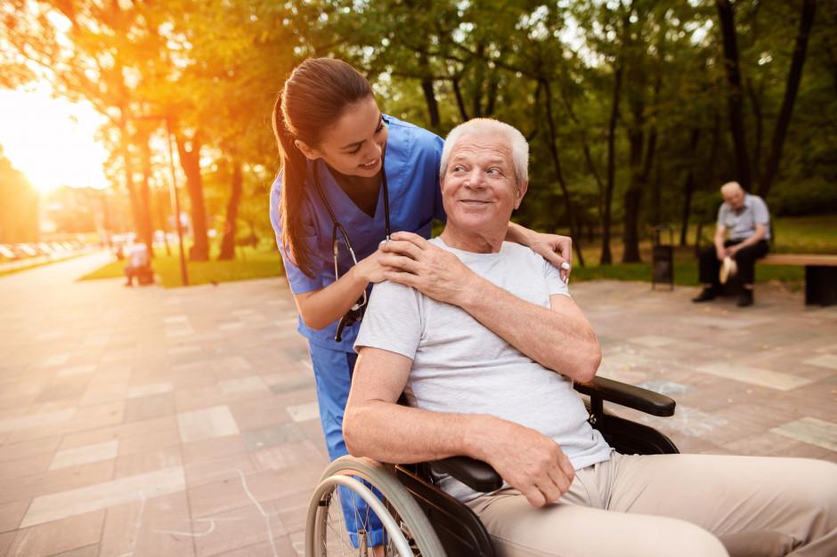 Samorządy mogą składać wnioski o dofinansowanie usług opiekuńczych