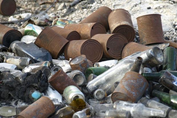 Jeżeli stary kalosz jest odpadem, to pocięty kalosz jest takim samym odpadem, a to jest z grubsza paliwo RDF (fot. pixabay)