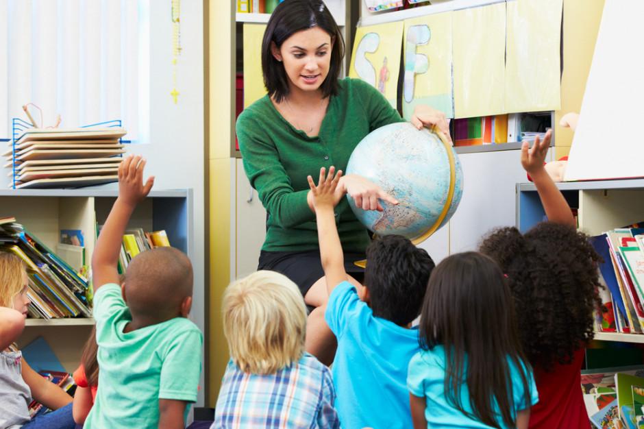 Rada Warszawy jednogłośnie za podwyżkami dla nauczycieli