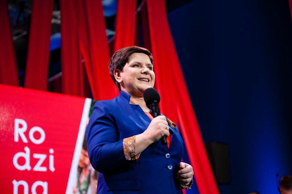 Beata Szydło: Będziemy realizować kolejne programy społeczne