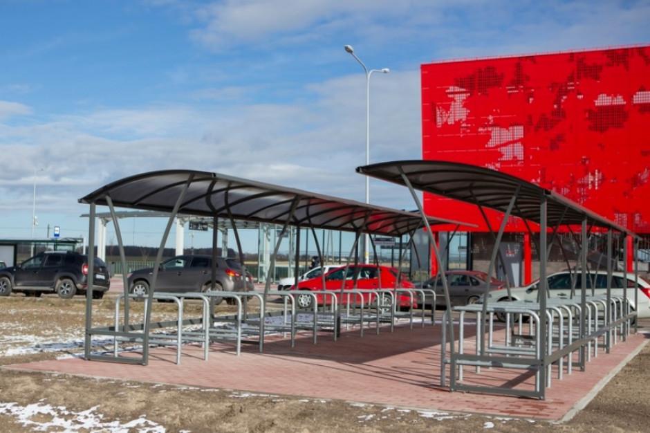 Węzeł przesiadkowy w Gdańsku otwarty. Oprócz parkingu - stojaki na rowery