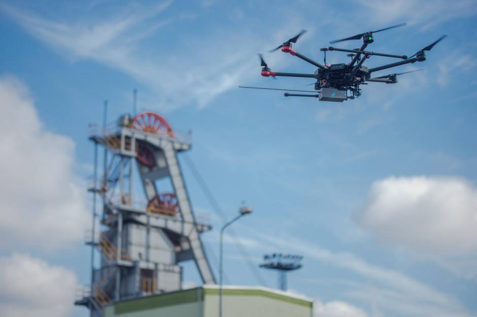 Drony będą walczyć ze smogiem w całej Polsce. Pilotażowy pogram ruszył na Śląsku