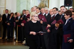 """Beata Kempa: Broniarz to""""karierowicz"""", któremu na sercu leży polityka a nie dobro dzieci"""