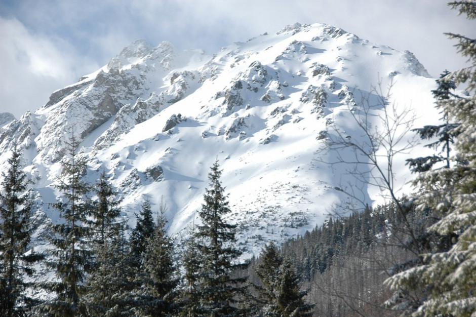 Maleje zagrożenie lawinowe w Tatrach