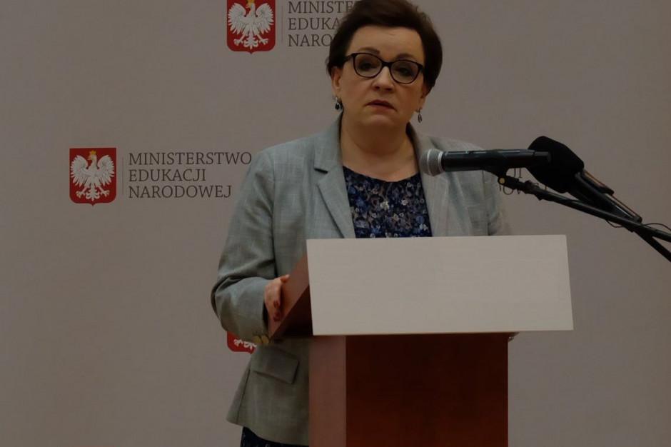 Oto ile zarobiła minister Anna Zalewska i inni pracownicy MEN