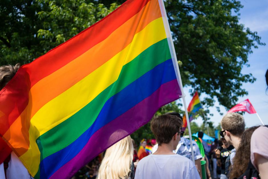 """Ciąg dalszy sporu o deklarację LGBT+. """"Warszawie nie ma miejsca na dyskryminację"""""""