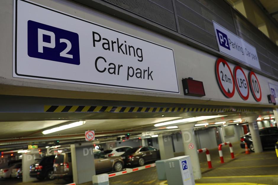 Tańszy parking na Lotnisku Chopina