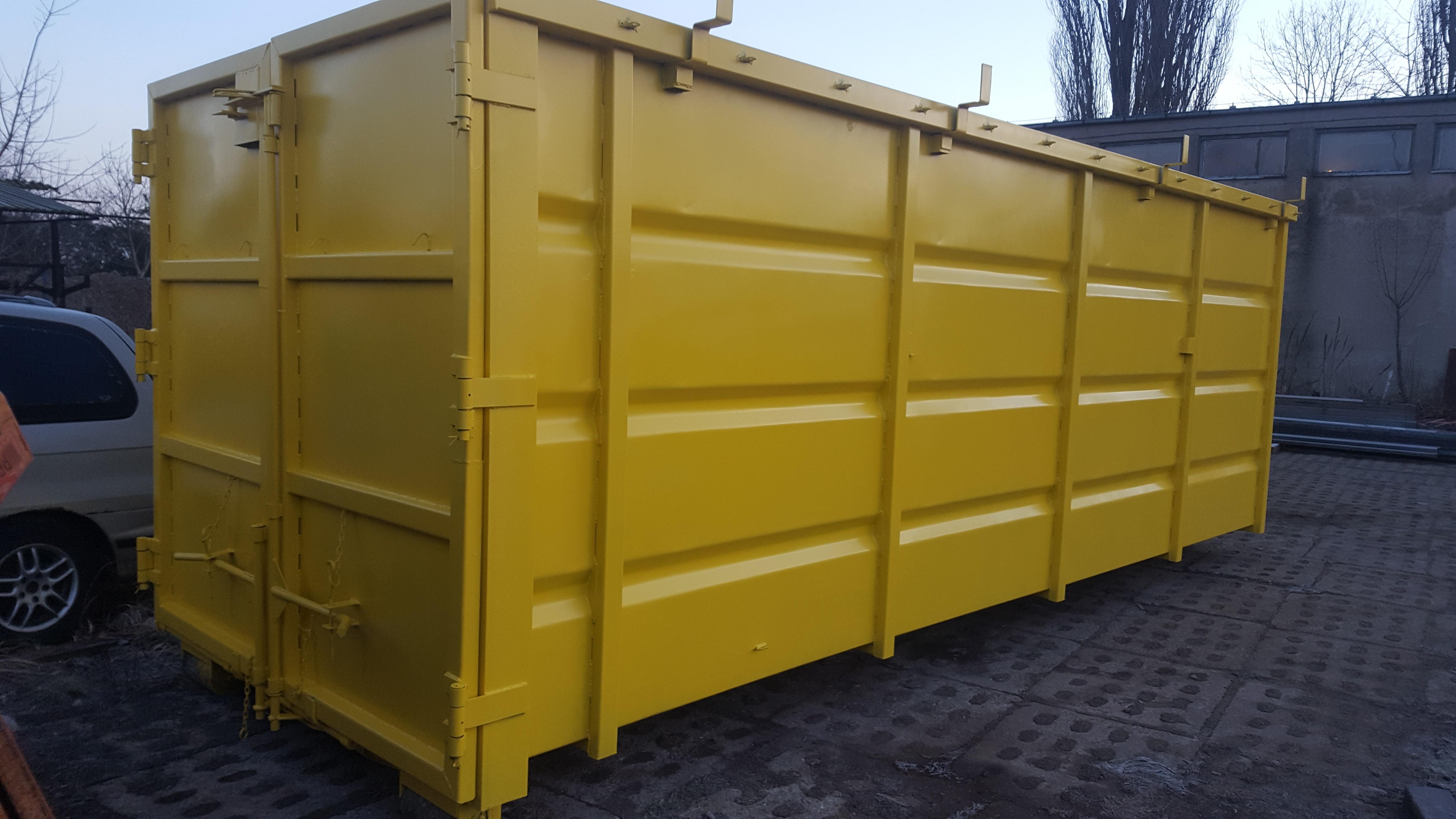 Mieszkańcy Tczewa mają do dyspozycji nowe kontenery na odzież i opony fot. ZSUO Tczew)