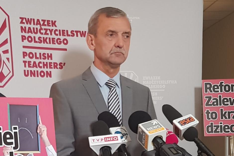 Sławomir Broniarz: Propozycje rządu to wycofywanie się rakiem ze zmian wprowadzonych przez szefową MEN