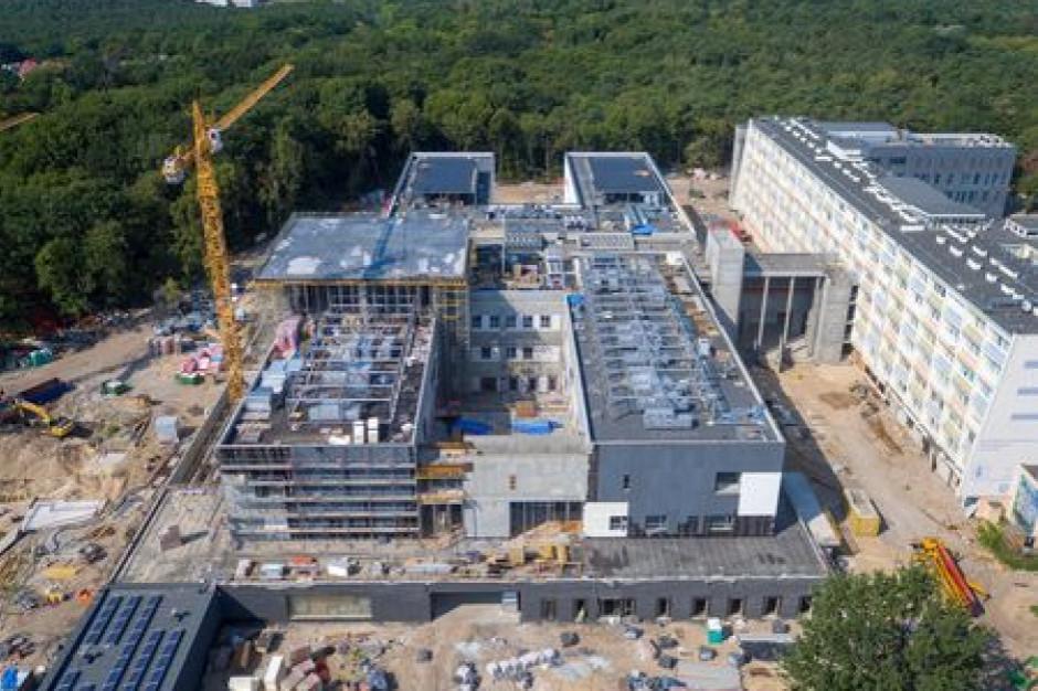 Szpital w Toruniu wykorzysta fotowoltanikę, gazowe pompy ciepła i deszczówkę