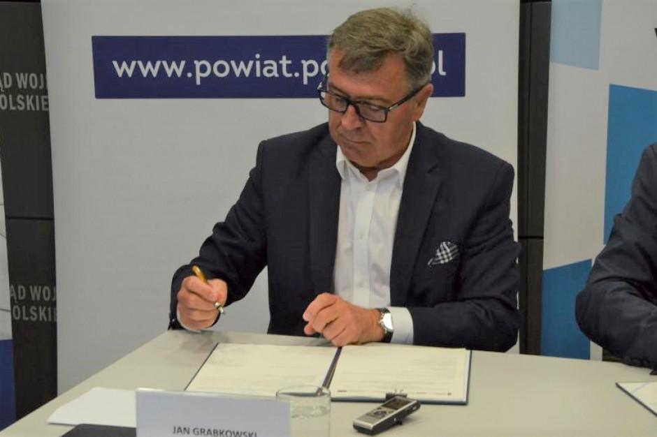 Niezależny samorząd chce się dziś zamienić w wielką katastrofę - mówi starosta poznański Jan Grabkowski