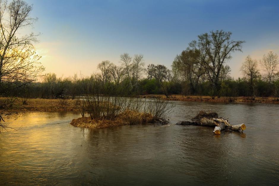 Dziesięć gmin z Małopolski odbuduje drogi i mosty zniszczone przez powodzie