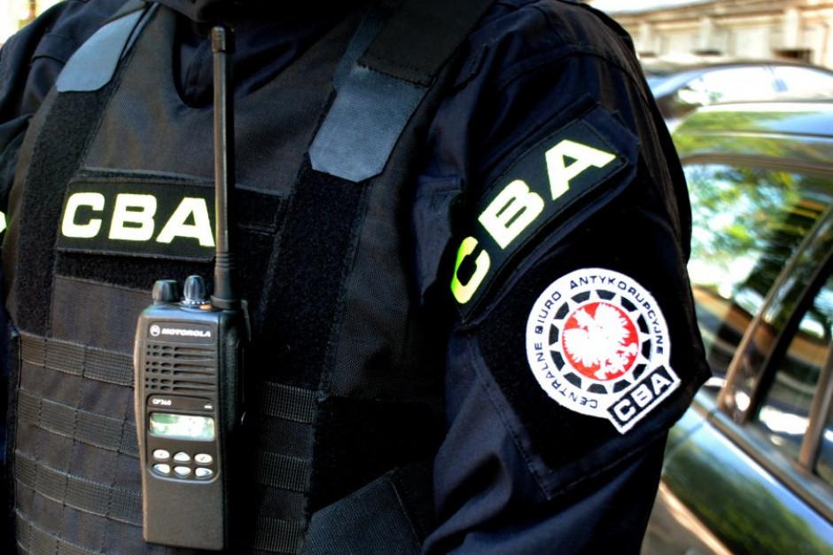 CBA zatrzymało dyrektora szkoły muzycznej w Warszawie, prokuratura zarzuciła mu przyjęcie łapówek