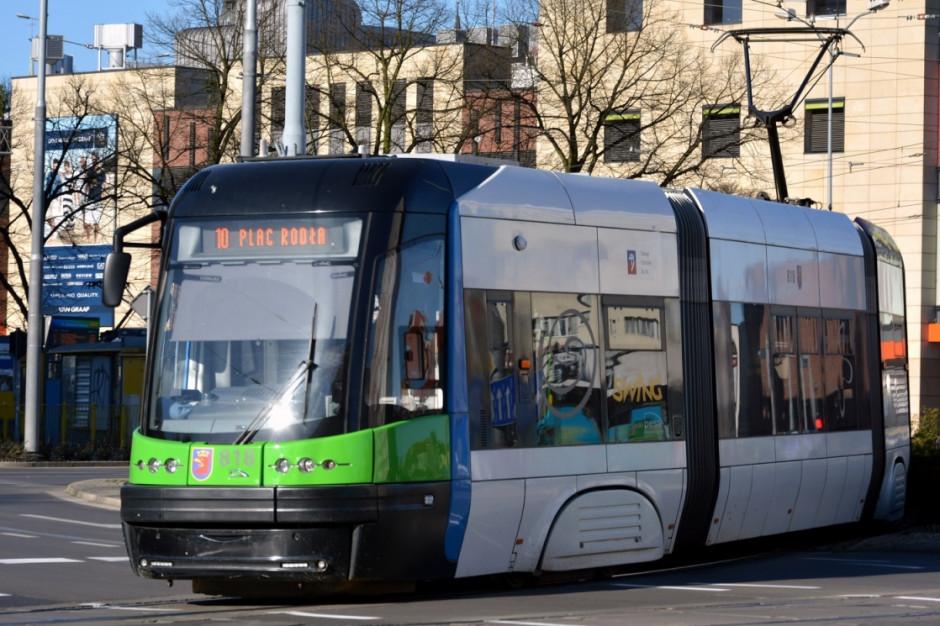 11 osób rannych w zderzeniu tramwaju z autobusem w Szczecinie