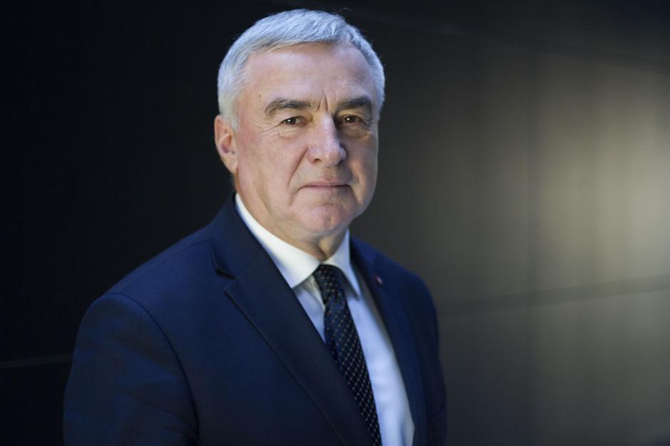 Marszałek województwa świętokrzyskiego interweniuje upremiera ws. linii kolejowej nr 8
