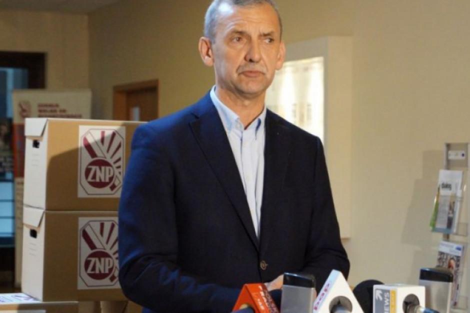 Zarząd Związku Nauczycielstwa Polskiego zadecyduje, czy zawiesić strajk i czy odbędą się matury
