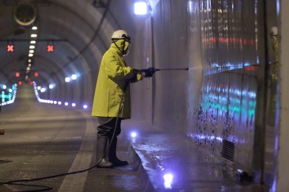 Gdańsk: Prace drogowców w tunelu pod Martwą Wisłą. Utrudnienia w ruchu do 14 kwietnia