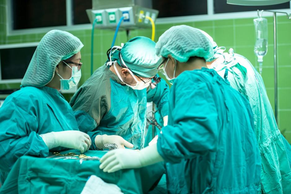 Raport o sytuacji szpitali powiatowych: zadłużenie rośnie