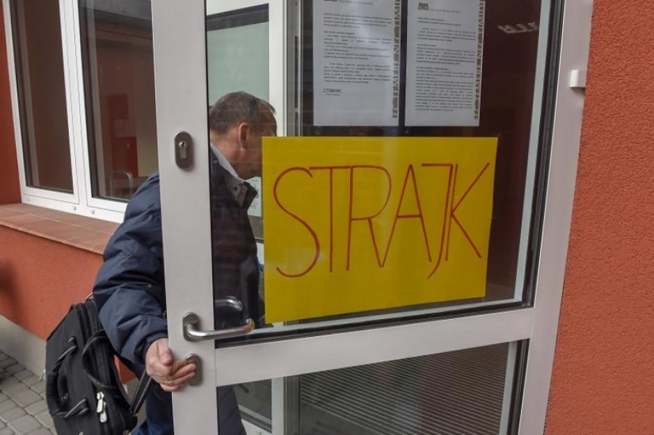 Strajk oświaty w Gdańsku. Oto najnowsze dane