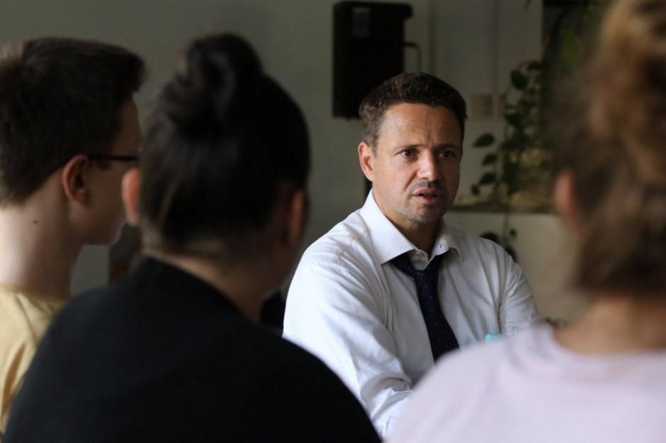 Rafał Trzaskowski: W Warszawie egzaminy odbędą się; miasto zapewni odpowiednią liczbę nauczycieli