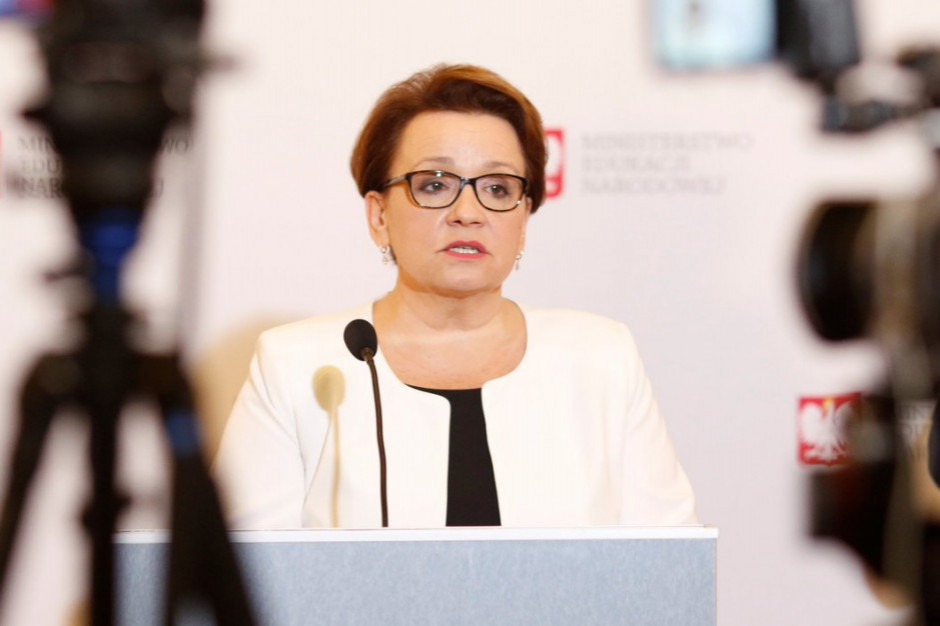 Anna Zalewska: trwają prace nad projektem realizującym porozumienie z Solidarnością