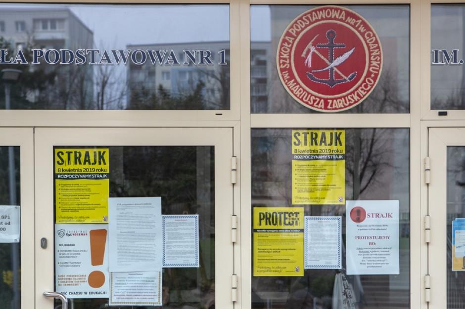 CBOS: 44 proc. Polaków popiera protest nauczycieli, 36 proc. jest przeciw