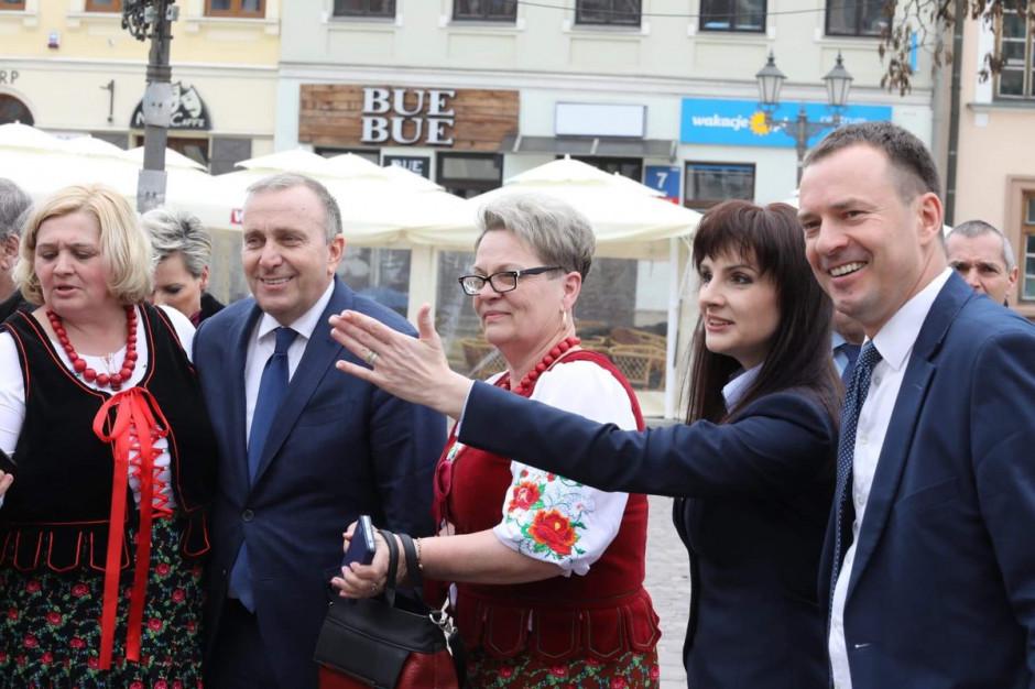 Koalicja Europejska złożyła dokumenty do rejestracji list we wszystkich okręgach wyborczych