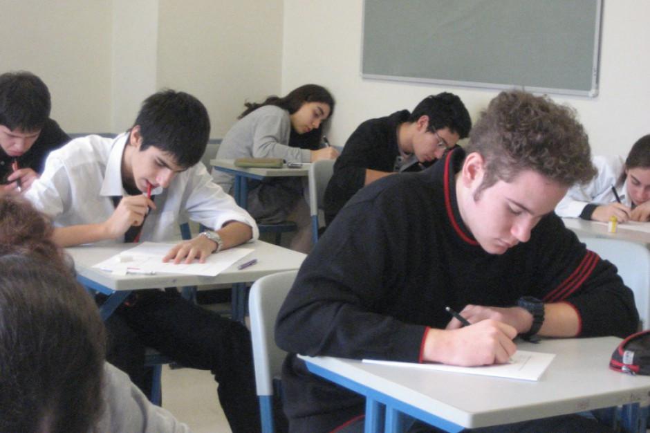 Dziś pierwszy dzień egzaminu ósmoklasistów, kolejny dzień strajku nauczycieli