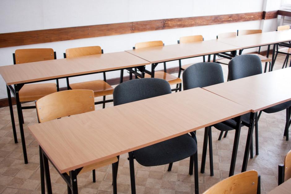 Na Śląsku przybywa strajkujących nauczycieli